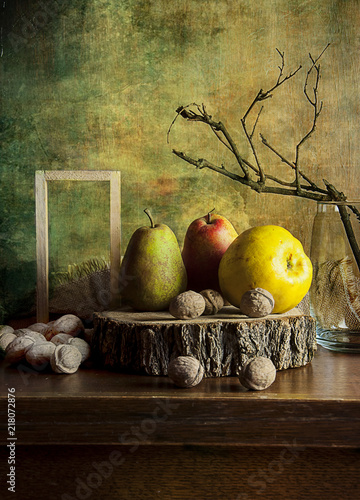 Foto Murales Quince, apples, pears on a wooden cut.