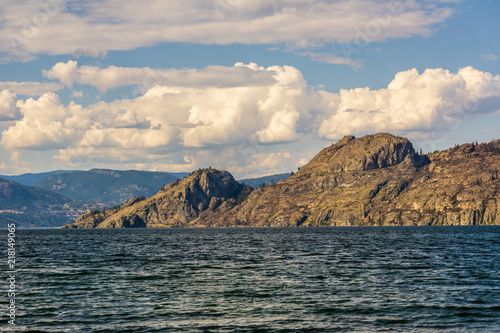 Aluminium Beige Okanagan lake at summer day with clouds on the sky.