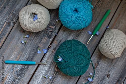 Kolorowe motki wełnianej nici. Może być używany jako tło