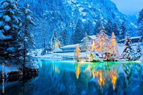 Leinwanddruck Bild Blausee im Winter, Schweiz