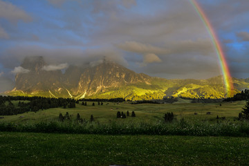 Italy Dolomites Alpe di Siusi Plattkofel Langkofel rainbow © LUC KOHNEN