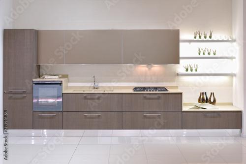 Cucina moderna con parete attrezzata   Buy Photos   AP Images ...