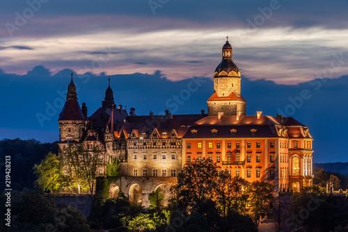 Zdjęcia na płótnie, fototapety na wymiar, obrazy na ścianę : Ksiaz Castle at night - Poland