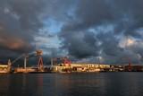 beliebtes Wahrzeichen von Kiel, Kran, Werft, Schiffswerft  - 219991651
