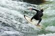 Leinwanddruck Bild - Surfer am Eisbach, München