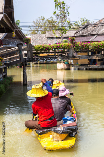 Leinwanddruck Bild Floating Market in Pattaya