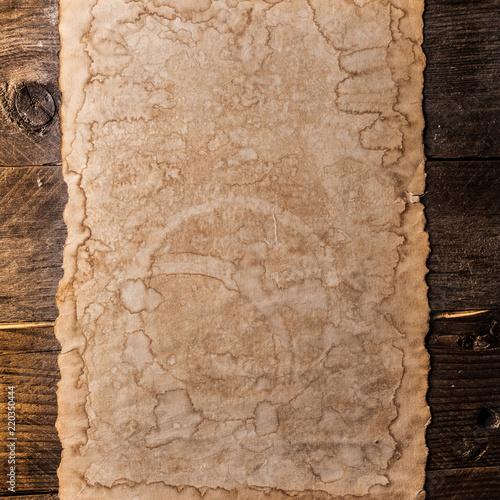 Vintage blank paper - 220350444