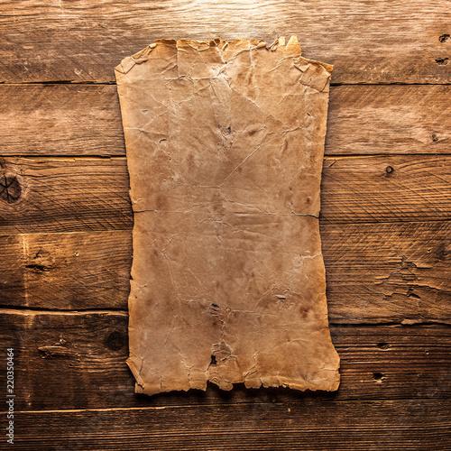 Vintage blank paper - 220350464