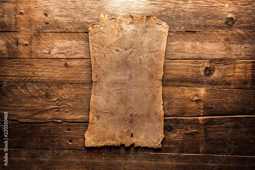 Vintage blank paper - 220350468