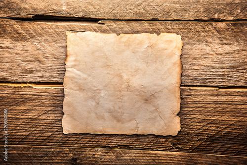Vintage blank paper - 220350486
