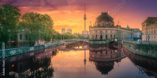 Museum island on Spree river of Berlin, Germany © boule1301