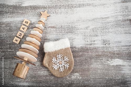 Santa rękawiczki i choinki