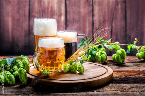 Fototapeta Bier - Alkohol - Spirituosen - Getränk - Hopfen - Gerste - Stutzen- Seidel - Kanne - Glas