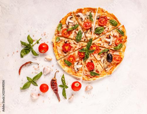 Italian pizza - 220640036