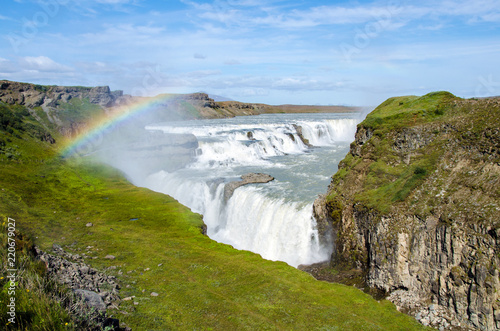 Leinwanddruck Bild Gullfoss Wasserfall mit Regenbogen - Island