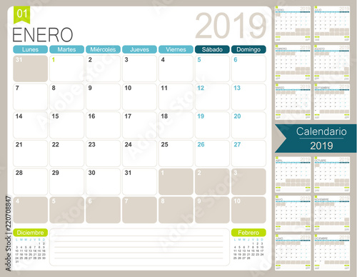 Spanish calendar 2019 / Spanish calendar planner for year 2019, week starts on Monday, set of 12 months January - December, simple calendar template, desk planning calendar, vector illustration