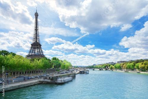 Leinwanddruck Bild View of Paris with Eiffel tower