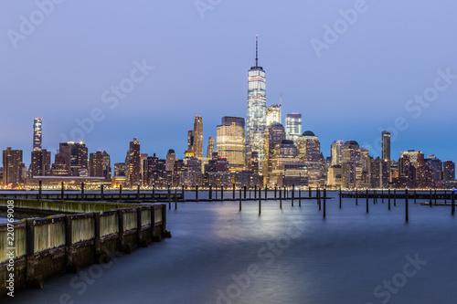 Foto Murales Lower Manhattan Skyline from Jersey City (before dawn)