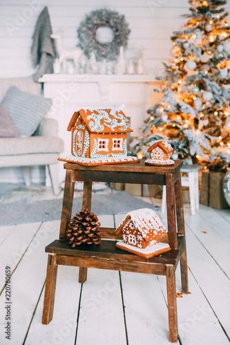 Christmas gingerbread decorated Christmas tree garland bokeh