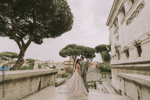 Wedding couple in Rome, Italy