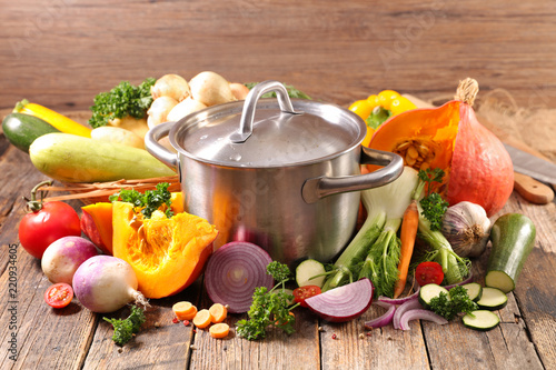 vegetable and pot for soup - 220934605