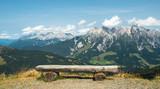 Aussicht in Bergwelt - 221021056