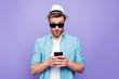 Leinwanddruck Bild - Bearded trendy stylish shocked guy wearing casual shirt, black s