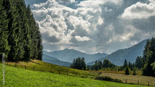 Wall mural Blick auf die Ammergauer Berge