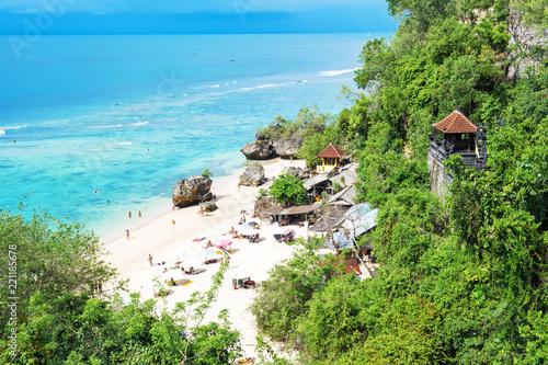 Foto Murales Beautiful tropical sand beach Blue sea sky Bali