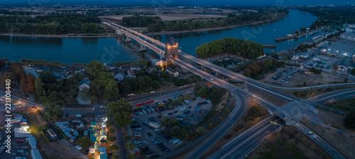 Luftbild Wormser Nibelungenbrücke bei Nacht