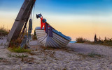 Fischerboot, Fischkutter, Boot, am Strand, blaue Stunde - 221323233