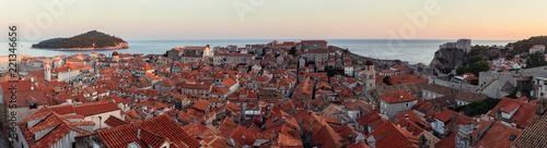 Dubrovnik Panorama von Nordseite der Stadtmauer sonnenuntergang