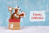 Weihnachtsgeschenke in Papiertüte - 221386627