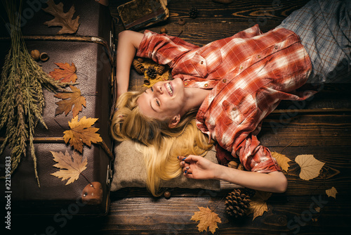 Leinwandbild Motiv Beauty face. Fashion girls. Autumn leaves. Autumn leaves isolated. Autumn leaves background. Autumn tree and forest. Gold Background. Rain and umbrella november concept.