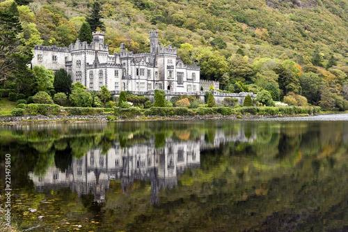 Leinwanddruck Bild Kylemore Abbey, Irland