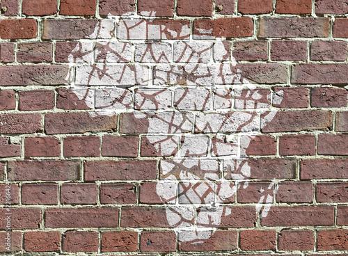 Graffiti, carte de l'Afrique fracturée - 221664245