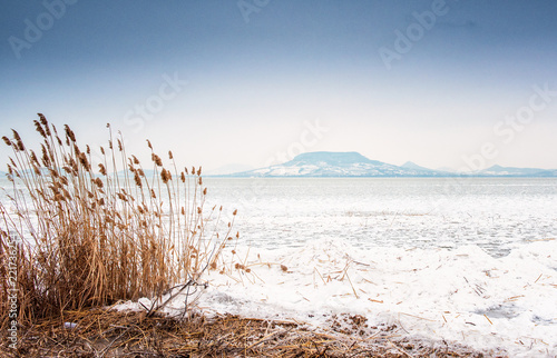 Leinwanddruck Bild Lake Balaton in winter