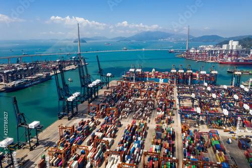 Leinwanddruck Bild Kwai Tsing Container Terminals in Hong Kong