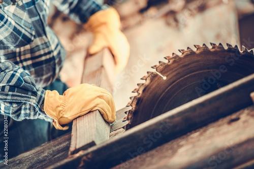 Carpenter Wood Cut Job - 221803411