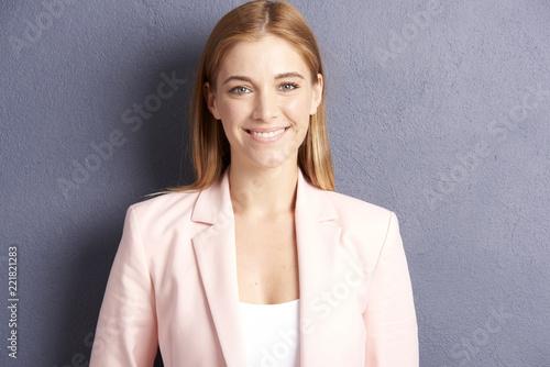 Leinwanddruck Bild Beautiful young woman. Studio portrait