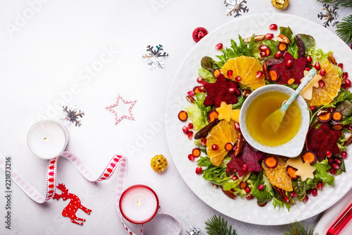 Christmas wreath salad - 221873216