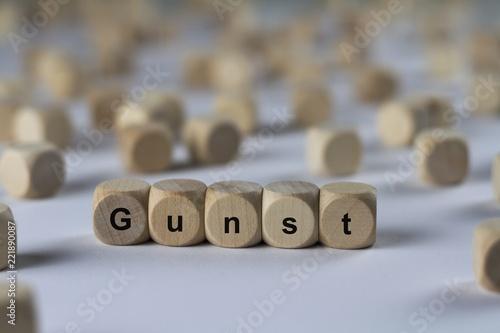 Leinwanddruck Bild Gunst - Holzwürfel mit Buchstaben