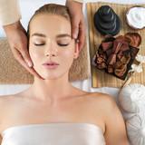 Head massage - 221891287