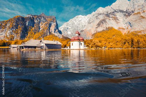 Leinwanddruck Bild Lake Königssee with St. Bartholomä pilgrimage chapel in fall, Bavaria, Germany