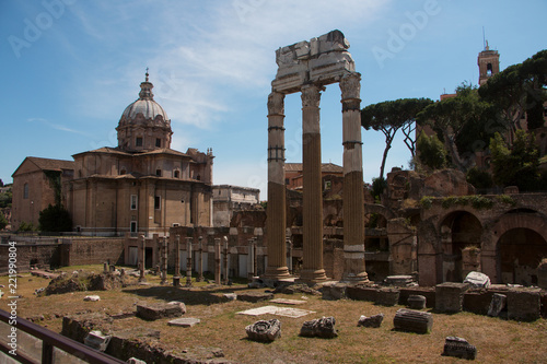 Forum Romanum view - 221990804