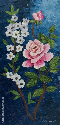 Leinwanddruck Bild Rosarote und weiße Blüten vor blauem Hintergrund
