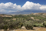 Landschaft in der Messara Ebene auf Kreta, Griechenland - 222001412