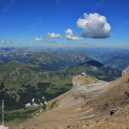 Foto Murales Saanenland Valley on a summer day. Bernese Oberland. View from Glacier 3000, Switzerland.