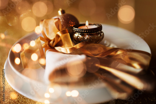 Golden christmas table setting - 222145273