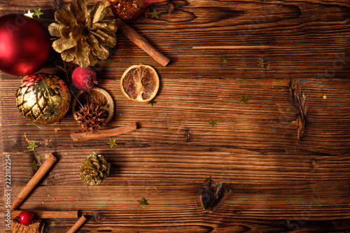 Leinwanddruck Bild Wooden table with Christmas decoration